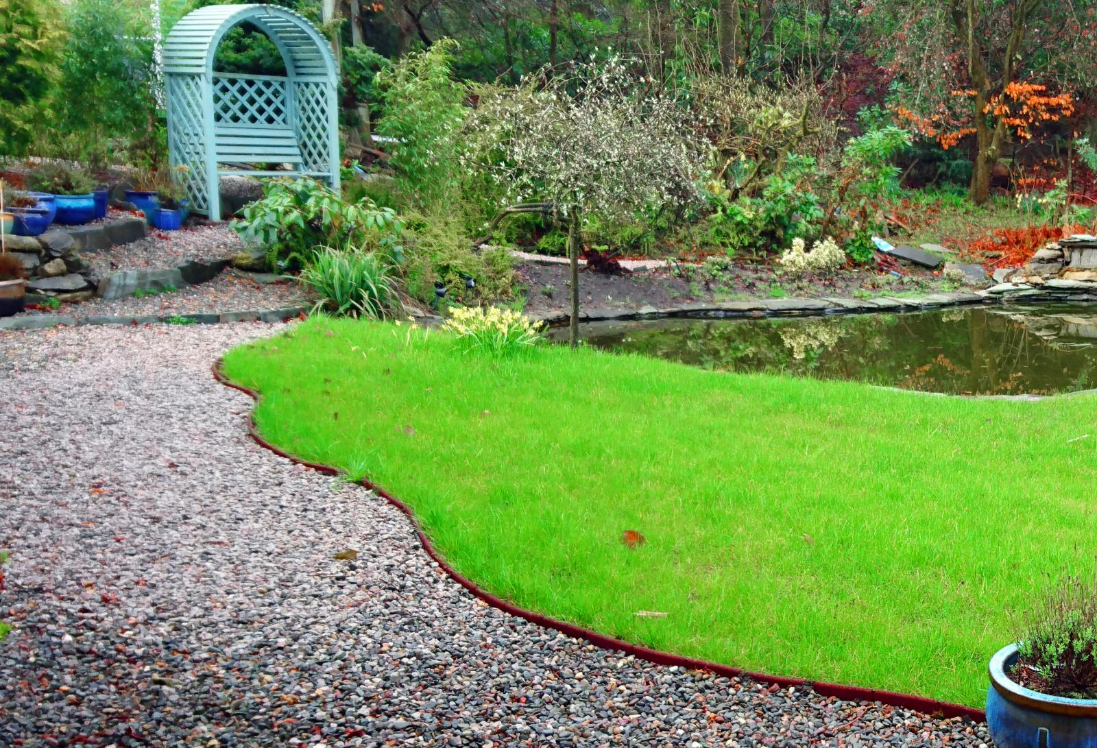 Pack of 20 flexi border rubber lawn edge garden border for Path and border edging