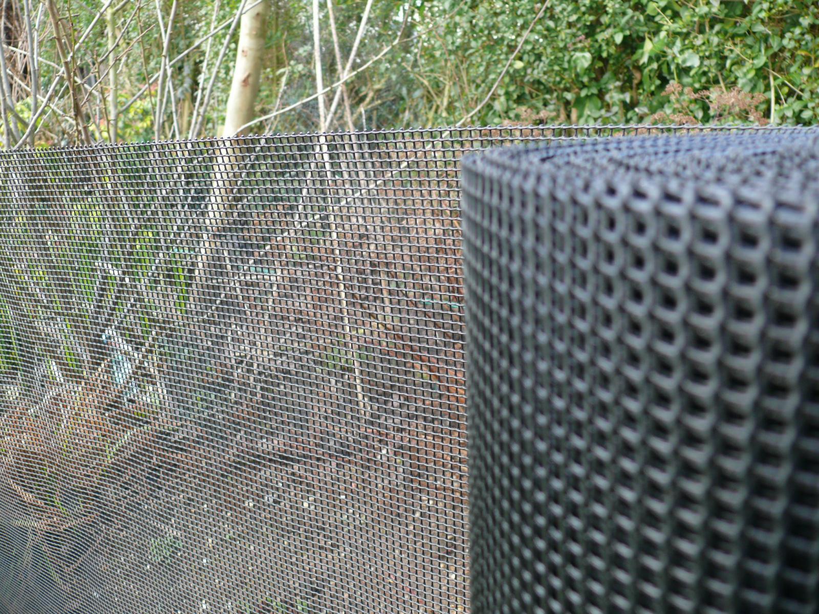 Garden plastic mesh fence plant protection dog barrier m