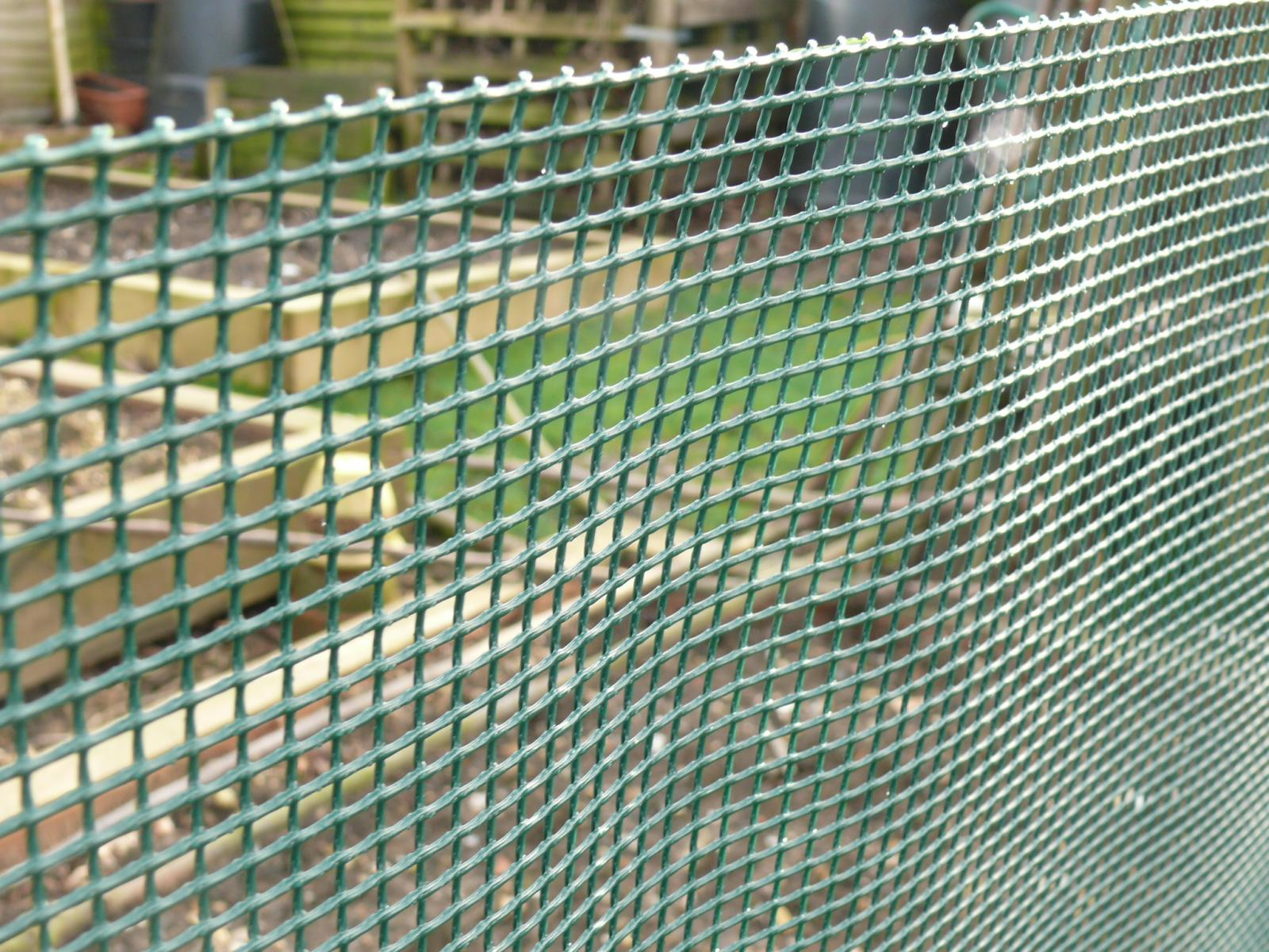 Garden fence m mesh pet fencing dog boarder netting