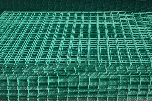 Welded Wire Mesh Panel 0.9 x 1.8m Green PVC Coated Fence