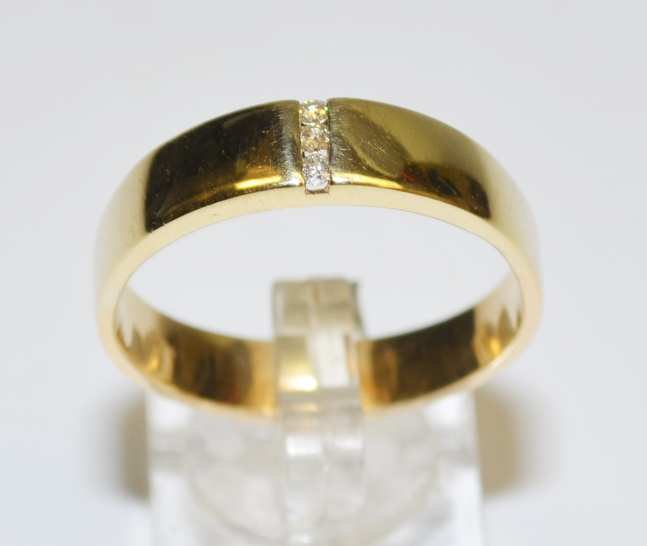 clearance 9k yellow gold wedding engagement mens